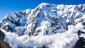 Bezpiecznie zimą. Jak się zachować w przypadku zejścia lawiny?