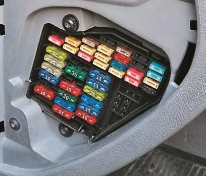 bezpieczniki /Motor