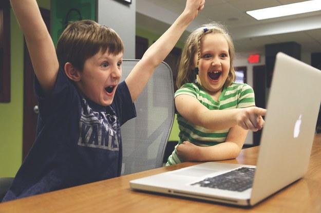 """Bezpłatne zajęcia z kodowania dla dzieci. """"Skomplikowane problemy rozkładamy na mniejsze części"""""""