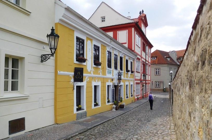 Bezrobocie w Czechach jest najniższe w całej Unii Europejskiej. Na zdjęciu ulica Novy Svet w Pradze /Mariusz Grzelak /Reporter
