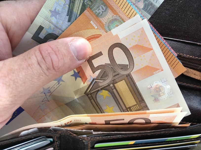 Bezrobotny dostał blisko 800 tys. euro zasiłku /Piotr Kamionka / REPORTER /East News