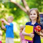 Bezstresowe pierwsze dni szkoły. Jak rodzice mogą pomóc swym dzieciom?