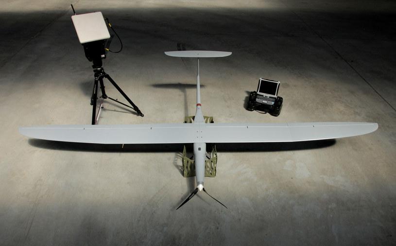 Bezzałogowy statek latający opracowany przez polską firmę WB Electronics. Jego głównym zadaniem jest bliskie rozpoznanie /materiały prasowe