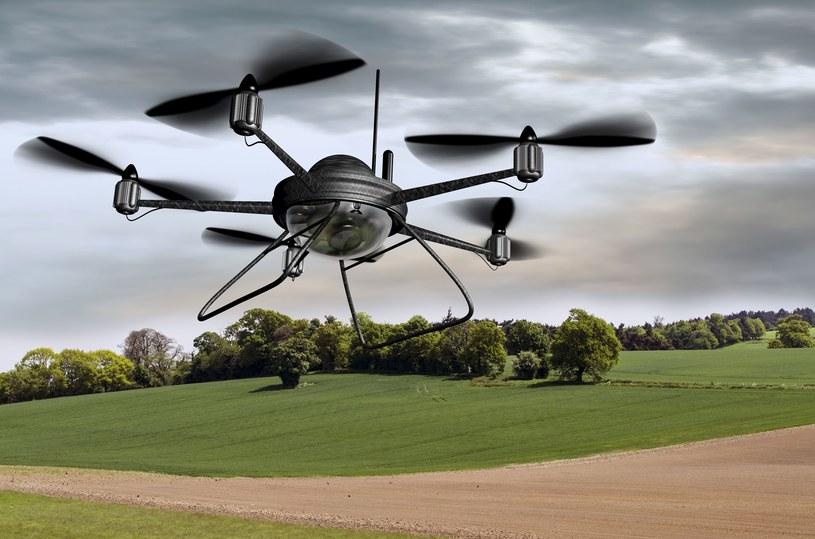 Bezzałogwy statek powietrzne, potocznie nazywane dronami, już teraz stały się powszechnie wykorzystywaną technologią / zdj. ilustracyjne /123RF/PICSEL