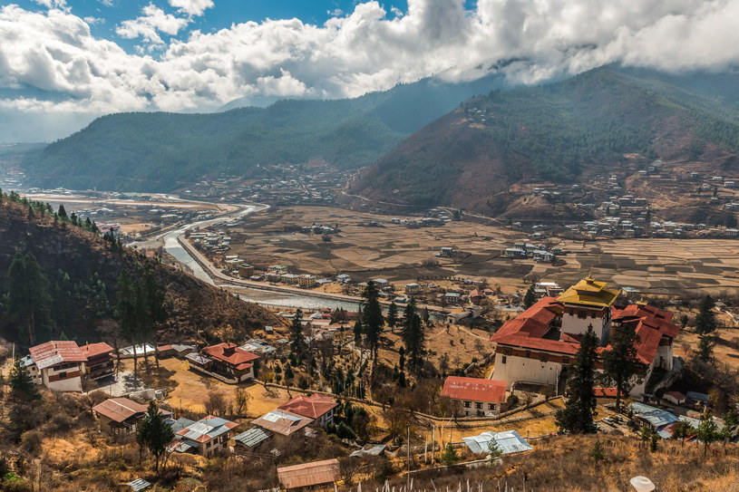 Bhutan to najlepsze miejsce do odwiedzenia w 2020 roku. Nic dziwnego, te widoki zapierają dech! /123RF/PICSEL