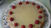 Biala czekolada i maliny czyli ciasto na szkolny piknik wieczorny.