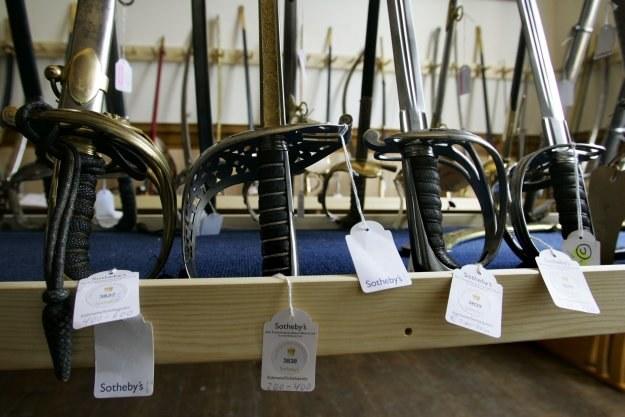 Biała, czy strzelecka nie wywołuje zainteresowania na aukcjach... w Polsce /AFP