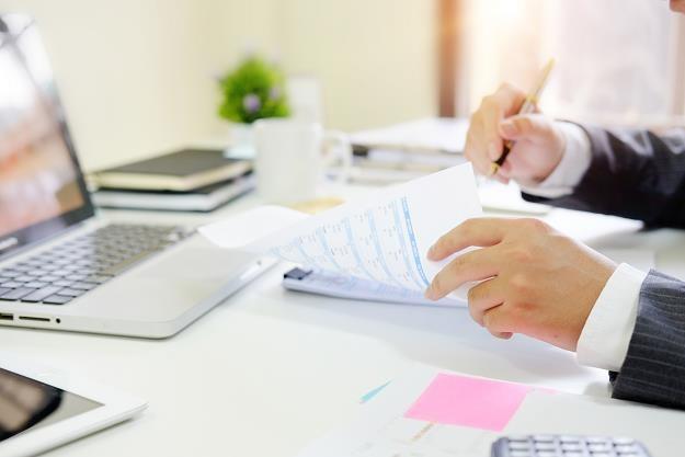 Biała lista podatników - jedną transakcję trzeba sprawdzić kilka razy /©123RF/PICSEL