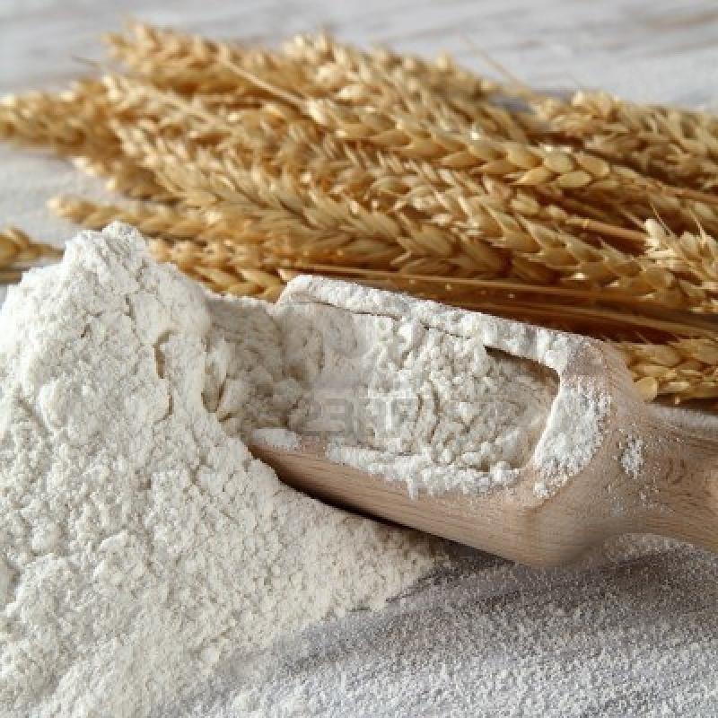 Biała mąka niezdrowa /© Photogenica