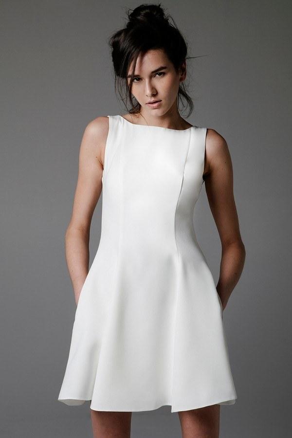 biała sukienka /© Photogenica