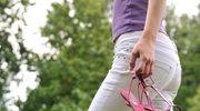 Białe jeansy – podstawa letniej stylizacji