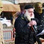 """""""Białobrody"""" na wolności. Kat Państwa Islamskiego zapłacił służbom łapówkę"""