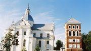 Białoruś: Woda zalewa zabytkowy kościół