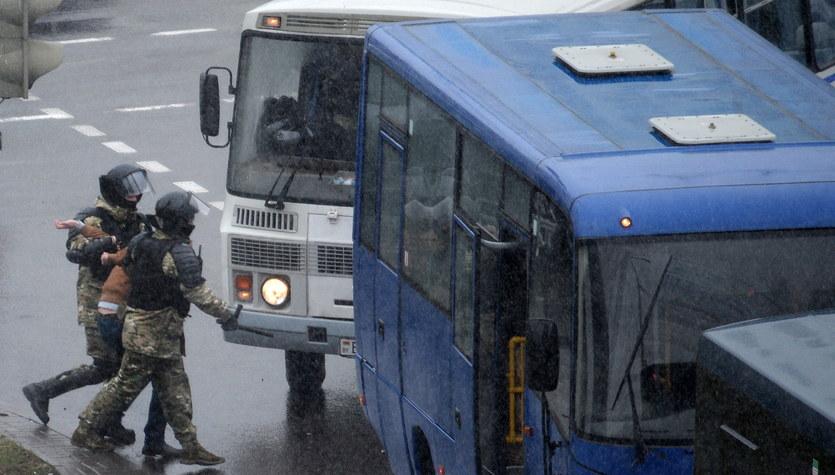 Białorusini znów wyszli na ulice. Zatrzymano ponad 230 protestujących