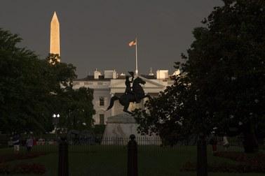 Biały Dom odpowiada na rewelacje WikiLeaks. Rozmowy Hollande'a bezpieczne?