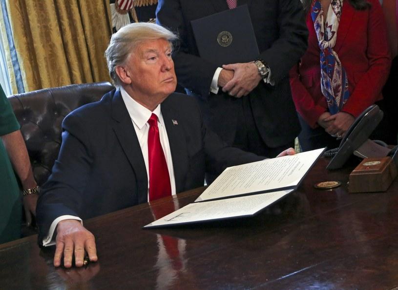 Biały Dom zapowiada kroki prawne przeciwko zablokowaniu dekretu Trumpa /PAP/EPA