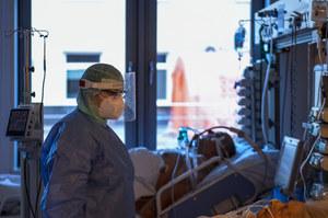 Białystok: Odkryto przypadki zakażeń dwoma wariantami koronawirusa jednocześnie