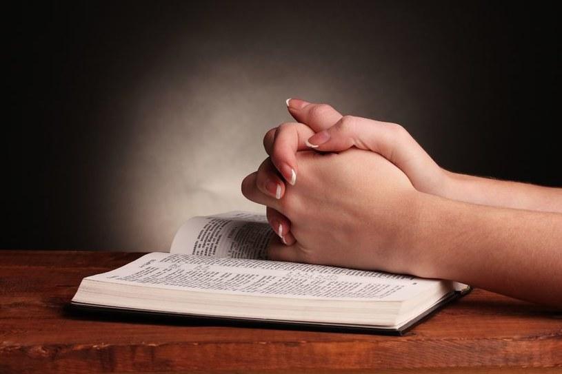 Biblia /123RF/PICSEL