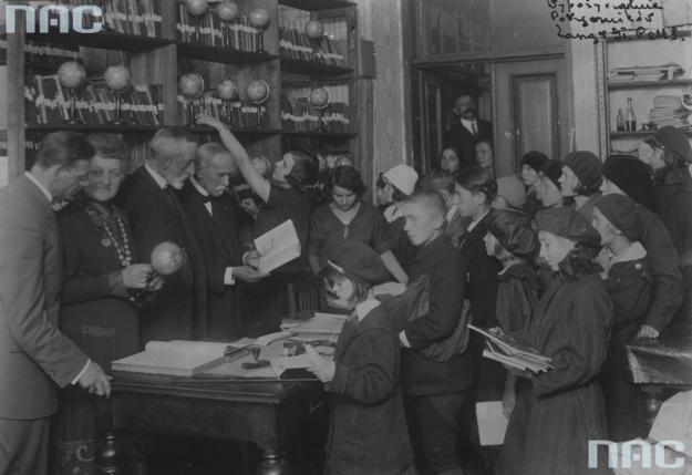 Biblioteka Polskiej Macierzy Szkolnej /Z archiwum Narodowego Archiwum Cyfrowego