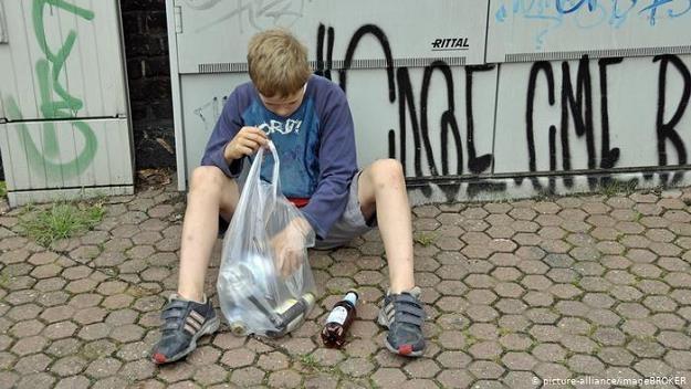 Bieda dzieci boli w bogatych Niemczech /Deutsche Welle