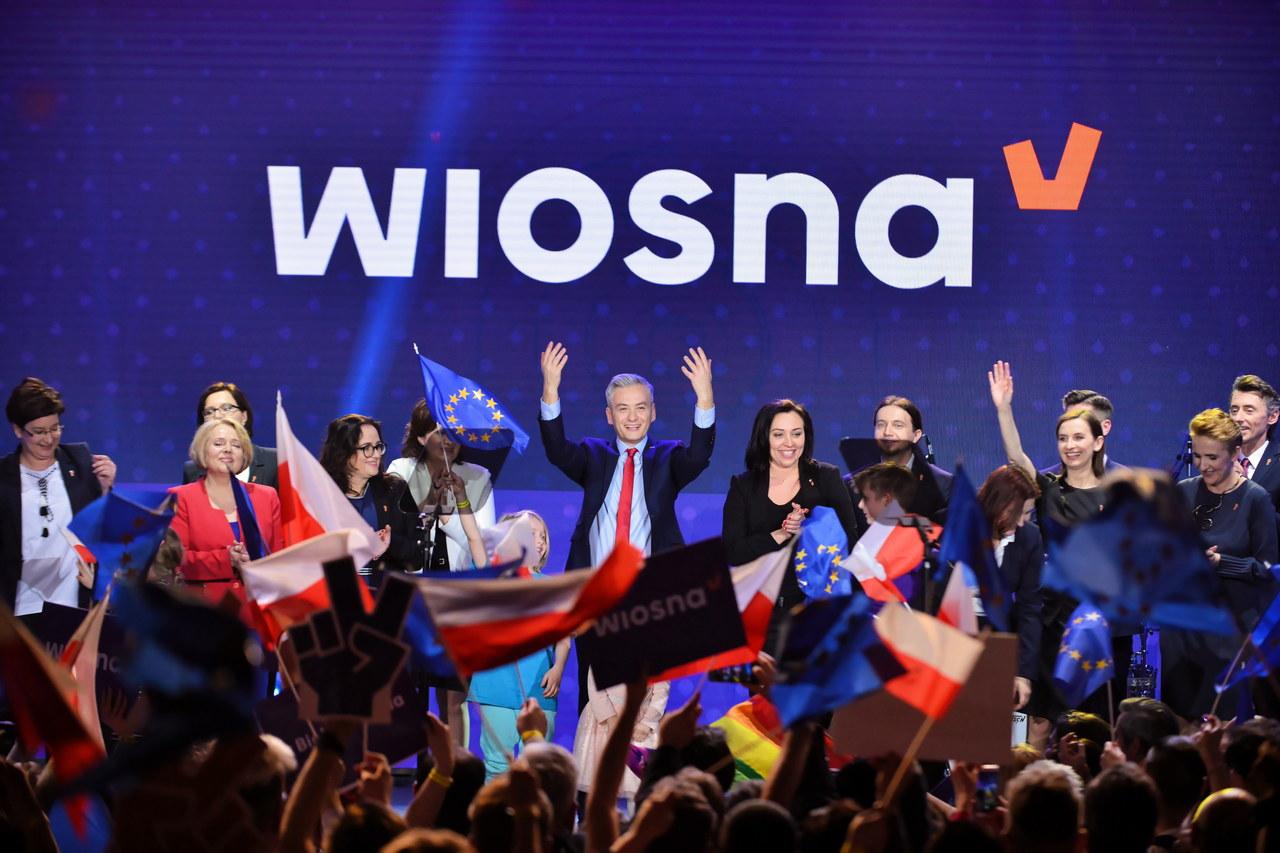 """Biedroń prezentuje """"jedynki"""" Wiosny. """"Stać nas na europejską wizję, bo mamy odwagę"""""""