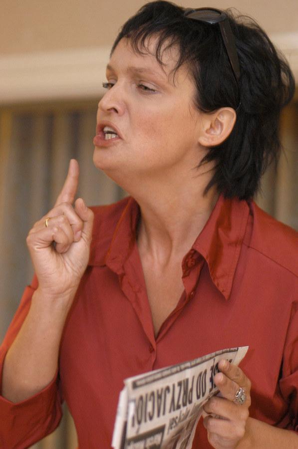 Biedrzyńska podczas konferencji, na której obiecywała rozwód z Miazgą! /- /AKPA