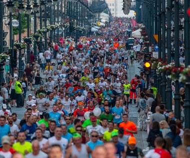 Biegacze wypełnią ulice Piotrkowską w Łodzi