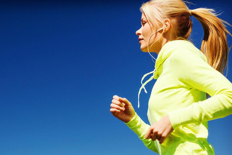 - Bieganie to przede wszystkim technika oraz trenowanie wytrzymałości organizmu - mówi lekarz ortopeda /123RF/PICSEL