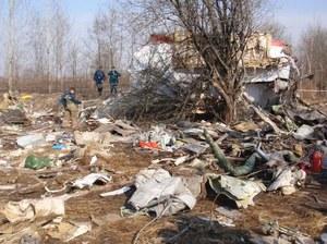 Biegli: Nie ma śladów materiałów wybuchowych na wraku Tu-154