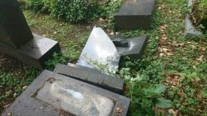 Bielsko-Biała: Prawie 70 nagrobków zdewastowanych na cmentarzu żydowskim
