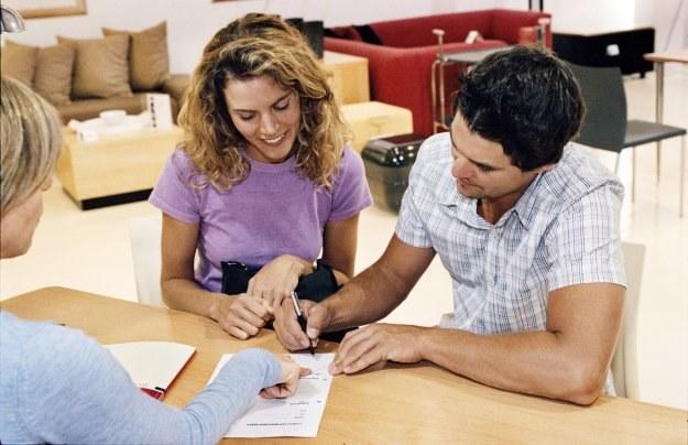 Bierzesz kredyt? Dodatkowe produkty cię nie ominą /© Bauer