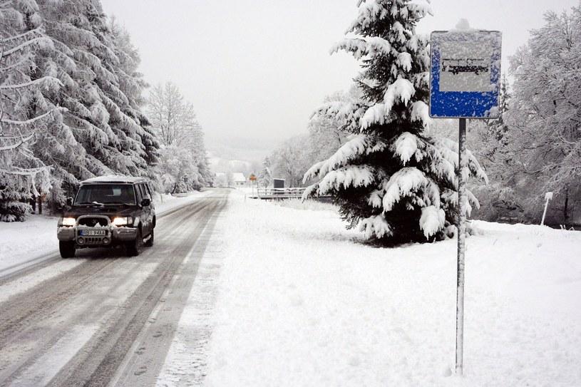 Bieszczady, intensywne opady śniegu /Wojciech Zatwarnicki /Reporter