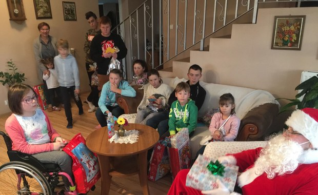 Bilety na koncert i do kina! Święty Mikołaj u dzieciaków z Inowrocławia