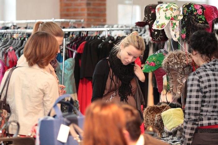 Bilioneurobab to okazja do zakupów modnych ubrań, dodatków i designerskich przedmiotów  /Daniel Ciosek /materiały prasowe