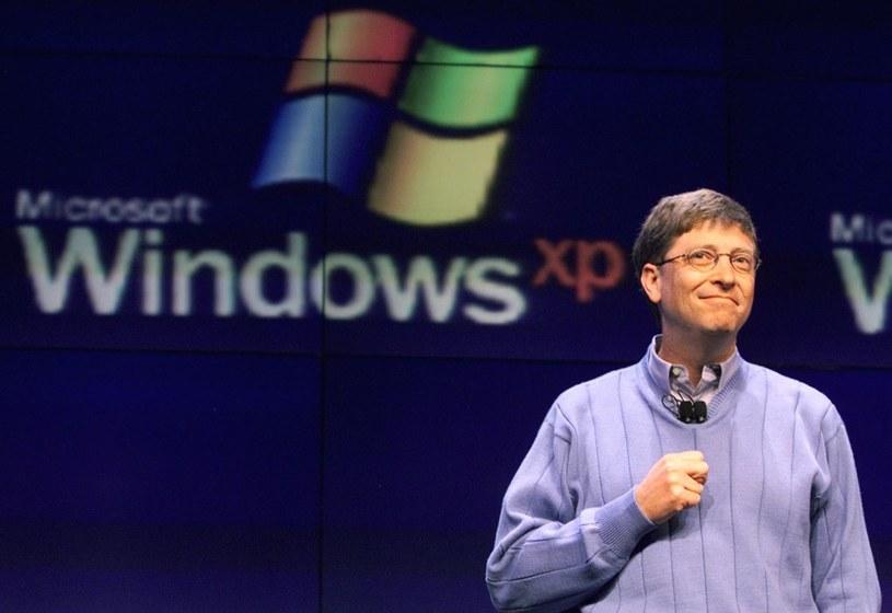 Bill Gates na premierze Windowsa XP /AFP