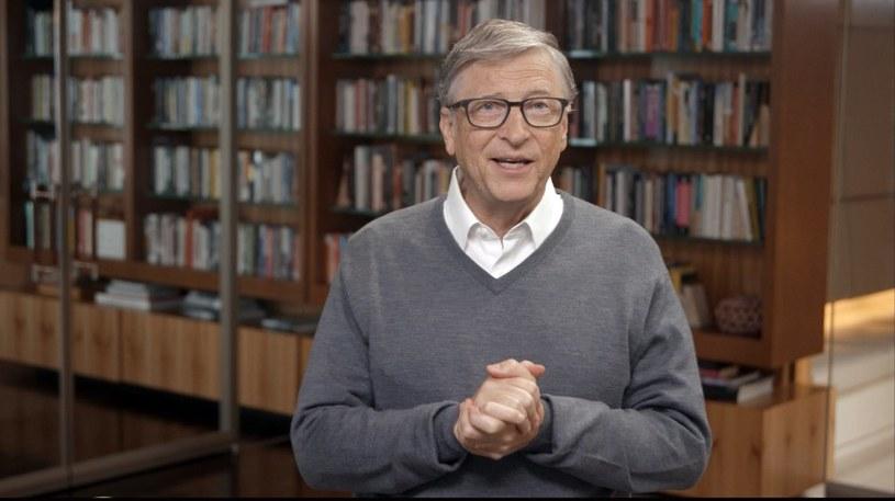 Bill  Gates od początku mówił, że walka z wirusem nie będzie łatwa /AFP