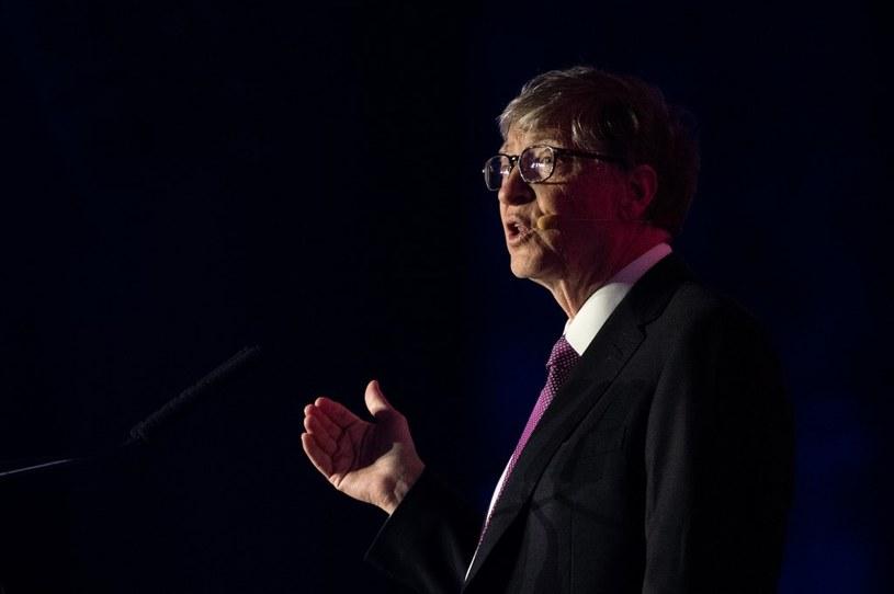 Bill Gates zaangażował sie w walkę z koronawirusem /AFP