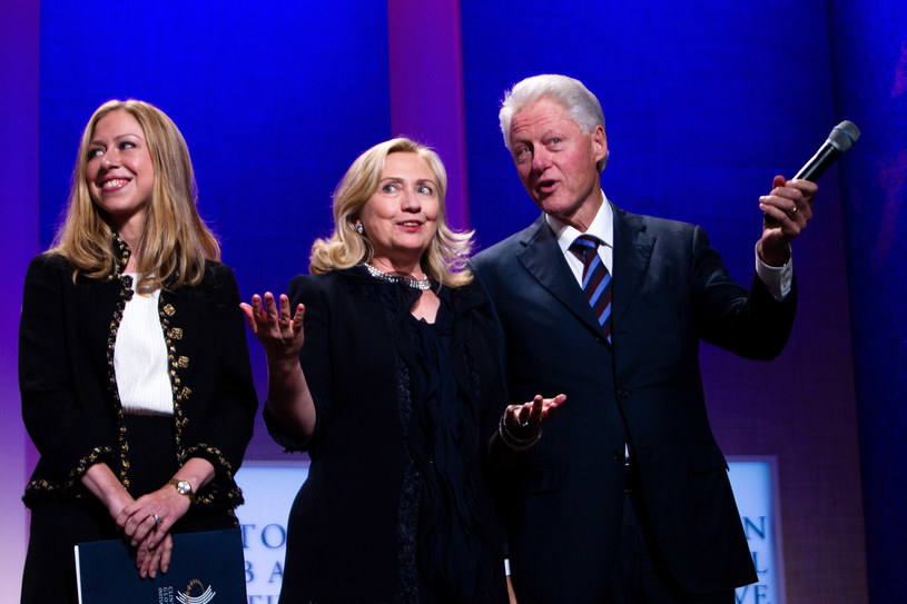 Bill, Hillary i Chelsea Clintonowie /Daniel Berehulak /Getty Images
