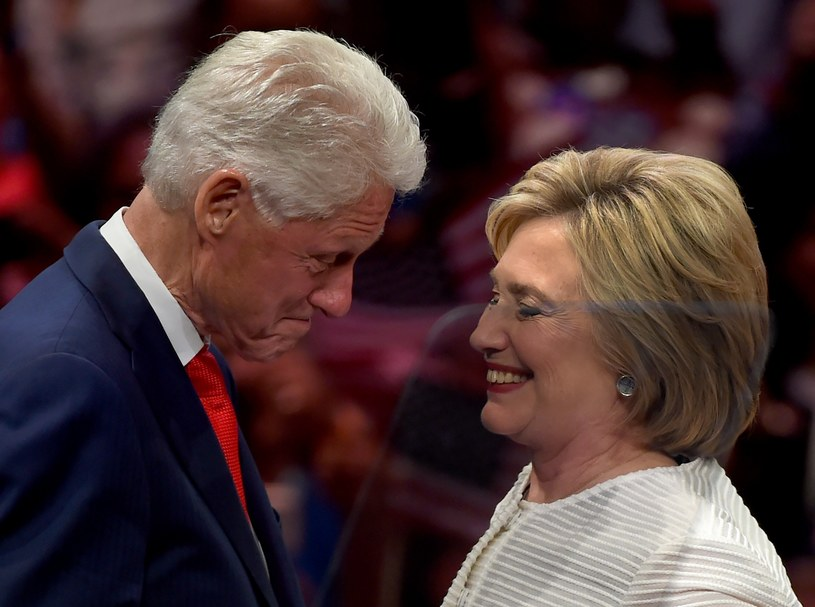 Bill i Hillary Clintonowie /AFP