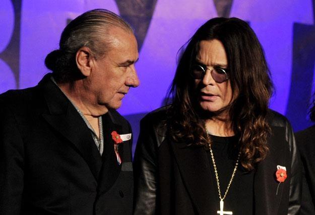"""Bill Ward i Ozzy Osbourne rozmawiają o """"małych żółtych cholerstwach"""" fot. Kevin Winter /Getty Images/Flash Press Media"""