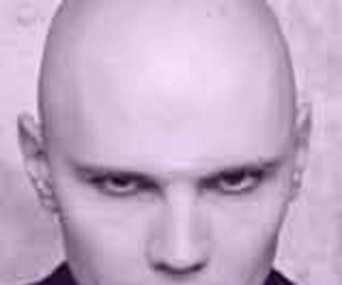 Billy Corgan pomaga choremu koledze