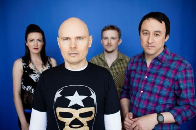 Billy Corgan (w środku) i kolejne wcielenie The Smashing Pumpkins /materiały prasowe