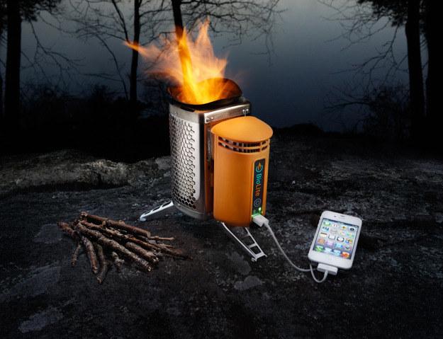 BioLite BaseCamp - grill, który ładuje baterie. /materiały prasowe