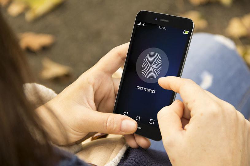 Biometryczne zabezpieczenia telefonów są dalekie od niezawodności /123RF/PICSEL