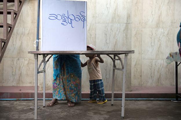Birma: Pierwsze wolne wybory w tym kraju od 25 lat /AFP