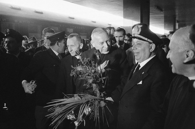 Biskup Antoni Baraniak (po lewej) wraz z kardynałem Wyszyńskim w Rzymie, 1963 rok /AP Photo/Foto Vedo /East News
