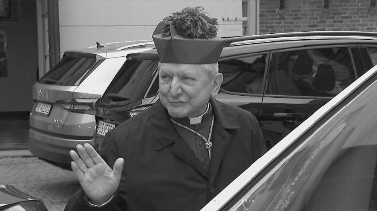 Biskup Edward Janiak nie żyje. Miał 69 lat /Polsat News /
