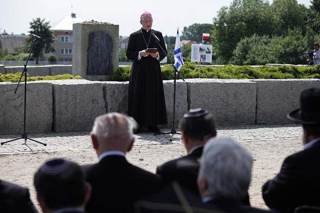 Biskup Mieczysław Cisło podczas uroczystości w Jedwabnem, fot. A. Reszko /PAP