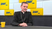 Biskup Mirosław Milewski: Czy w polskim kościele są księża homoseksualiści? Tak.