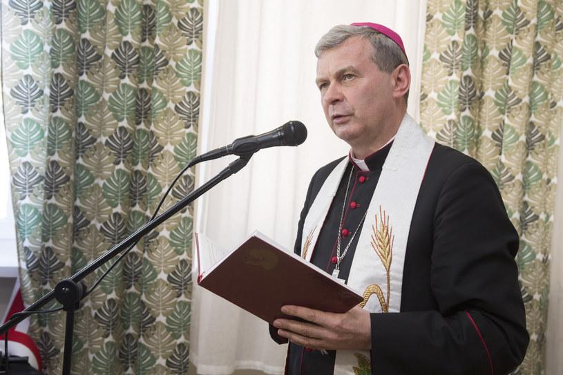 Biskup Tadeusz Bronakowski /MAREK MALISZEWSKI/REPORTER /Reporter